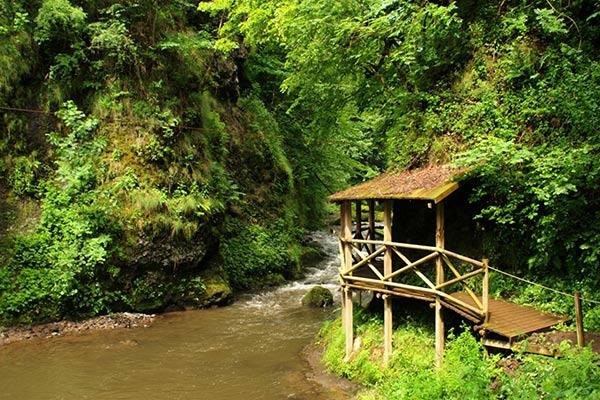 Auvergne Tourist Sites