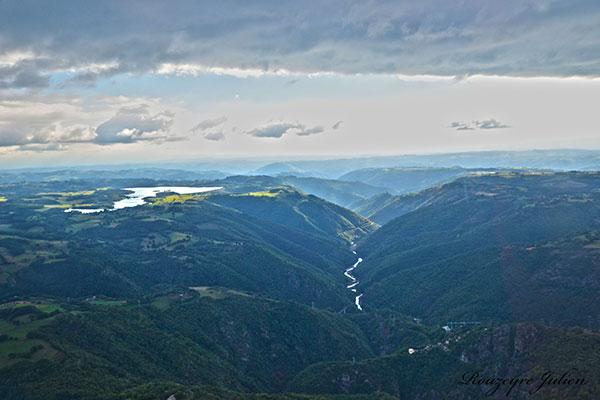 barrages truyère camping auvergne