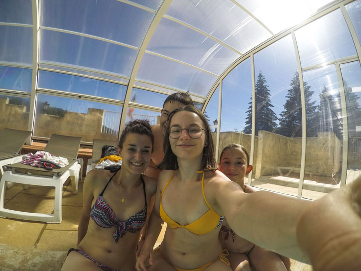 heated swimming pool camping auvergne